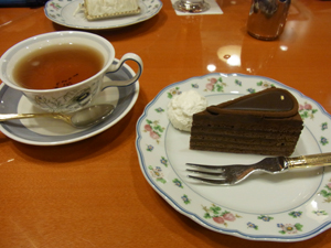 CAFE  CAKE MOZART 自由が丘本店 0