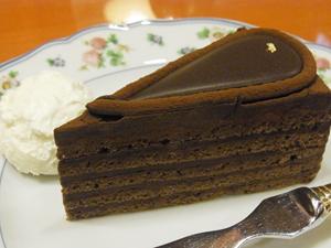 CAFE  CAKE MOZART 自由が丘本店