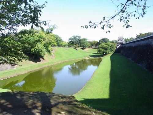 長塀と坪井川