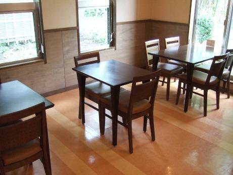 右奥のテーブル席