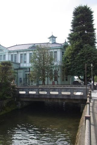 旧県庁(現栃木市役所商工観光課)と県庁堀