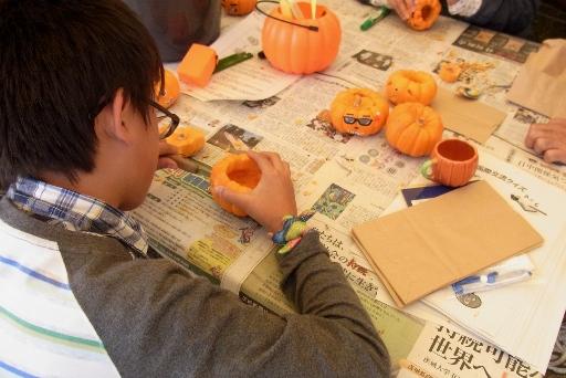 ハローウィンかぼちゃのランタン作り