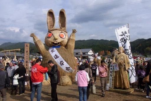 グランプリ「来年の干支うさぎ」と準グランプリ「坂本龍馬」