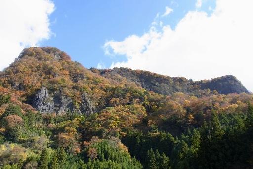 湯沢峡の紅葉