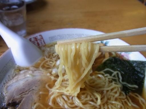 中細のちぢれ麺