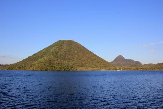 榛名湖と榛名山