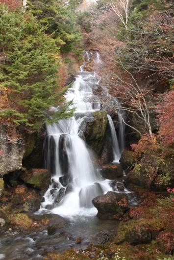 竜頭の滝(右側)