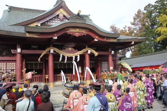 笠間稲荷神社拝殿での祈願