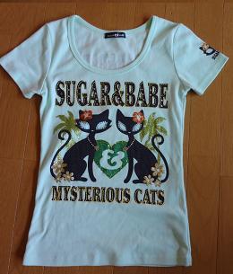猫のTシャツ