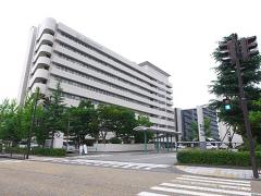 県立中央病院外観