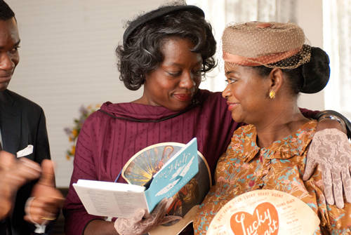 The-Help-Viola-Davis-Octavia-Spencer-photo.jpg