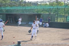 上野内野手