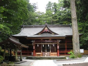 東口本宮拝殿