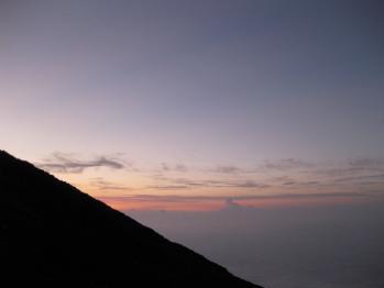 西の空日没