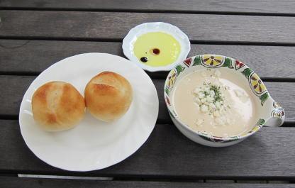 パンとスープが。
