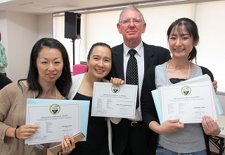 TESOL英語教師研修会 ハリーと卒業生たち