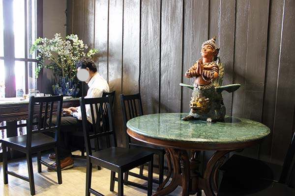 mitramitteahouse01.jpg
