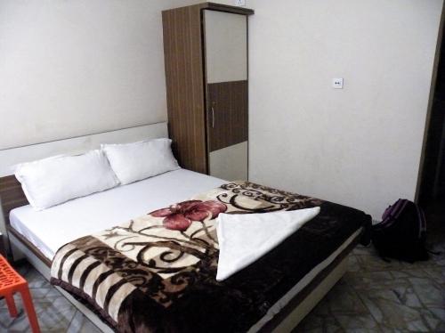 シリグリ 宿 ホテル