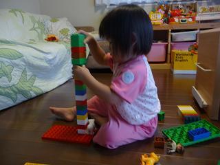 2010 07 13 20100716みかんとレゴ tibi01