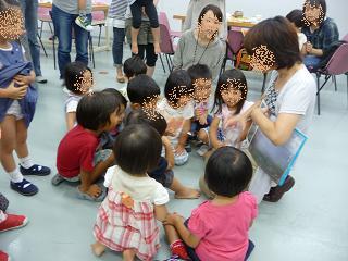 2010 09 16 絵本大好きクラブ2 tibi05