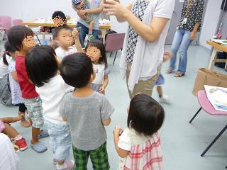 2010 09 16 絵本大好きクラブ2 tibi08