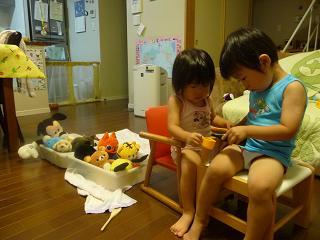 2010 09 28 遊ぶふたり tibi01