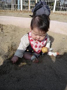 2009 02 15 砂場デビュー tibi01
