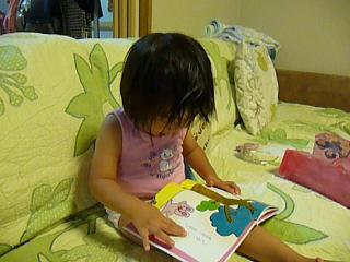 2010 09 20 絵本を読む3 tibi02