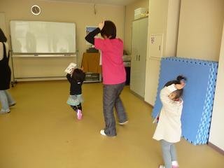 2011 02 04 リトミックとこぐま tibi03