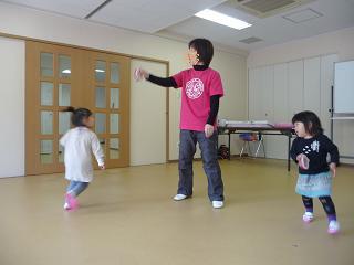 2011 02 04 リトミックとこぐま tibi05