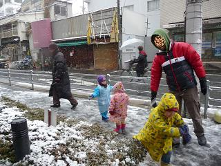 2011 02 11 雪遊び2 tibi01
