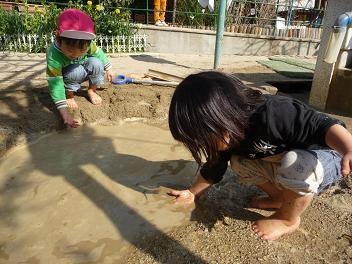 2011 02 23 泥遊び tibi04