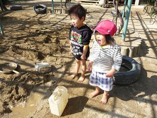 2011 02 26 園庭解放2 tibi04