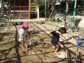 2011 02 26 園庭解放2 tibi05