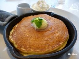 発酵バターの窯出しフレンチパンケーキ