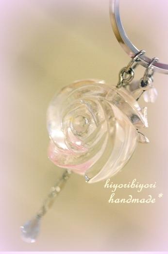 薔薇のキーホルダー