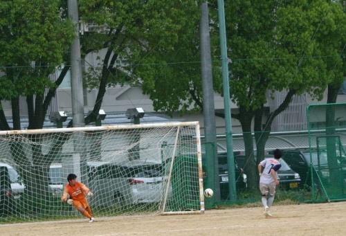 s-12-04-29トラスター戦7神野勝利PK