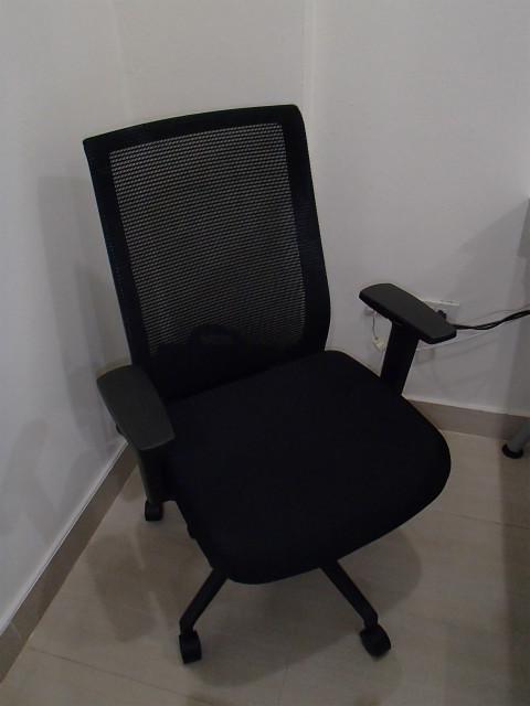 KOKUYO 椅子 (1)