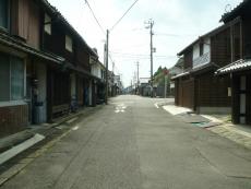 昔ながらの街並みが