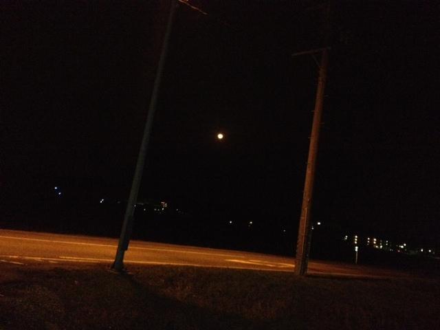 オレンジの月
