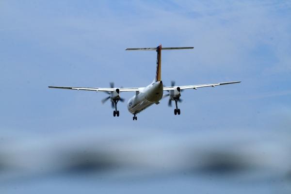 3X DHC-8-402Q JA842C RJOM 140728 01