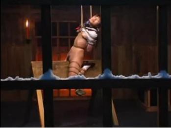三角木馬の刑 - エロ動画 アダルト動画