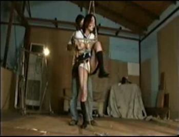 女子を拘束して、やりたいほうだい - エロ動画 アダルト動画