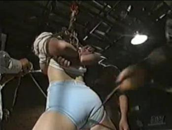 体操服姿の女子に股縄・・・ - エロ動画 アダルト動画