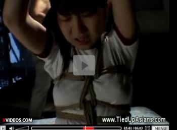 Japanese schoolgirl roped and p ... - XVIDEOS.COM