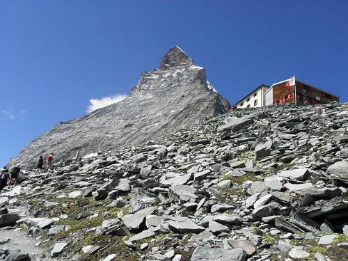 640px-Matterhorn_und_hoernlihuette_august_2010.jpg