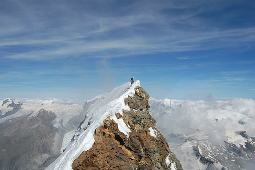 640px-Summit_of_the_Matterhorn.jpg