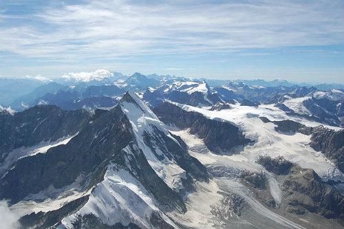 640px-View_from_the_Matterhorn.jpg