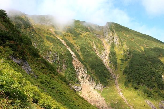 Mt_KAMUEKU_1.jpg