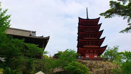 五重塔と千畳閣
